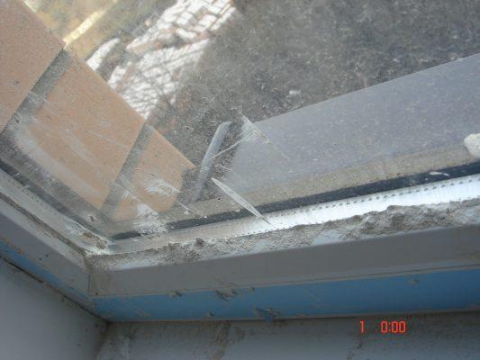 грязь в оконных конструкциях рис 2